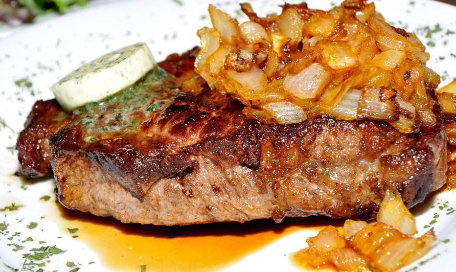 steak with caramelized onion